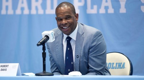 Hubert Davis turns to former North Carolina basketball players to fill out coaching staff