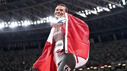 Canada's Andre de Grasse wins 200-meter gold as American men finish 2, 3, 4
