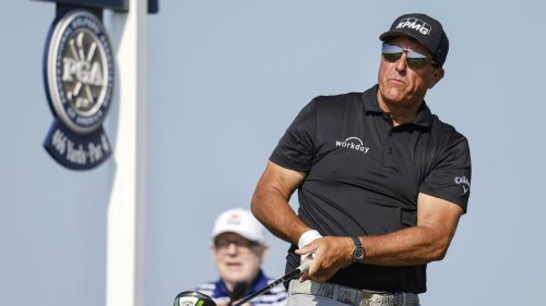 Phil Mickelson tied for lead at PGA Championship with Louis Oosthuizen after second-round 69