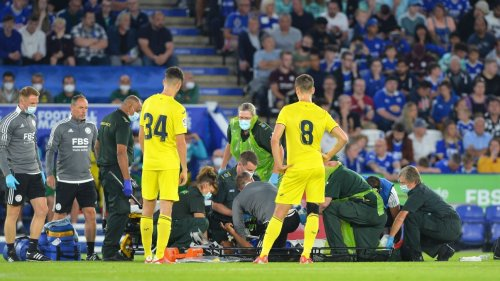Leicester's Fofana stretchered off after shock tackle