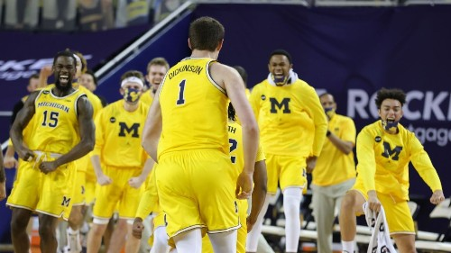 College basketball picks: Can anyone slow down Michigan?