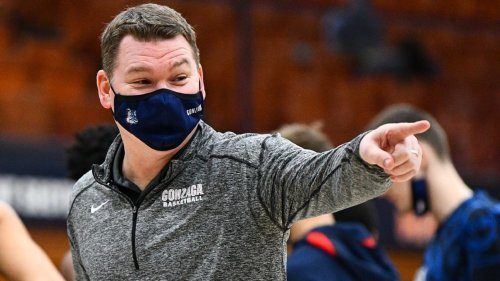 Arizona hires Gonzaga assistant Tommy Lloyd as new men's basketball coach