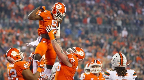 Clemson Tigers running back Travis Etienne to forgo extra year of eligibility, enter NFL draft
