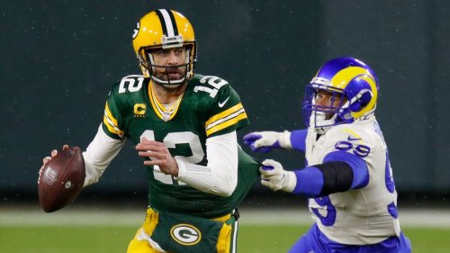 Do Packers need to recommit to Aaron Rodgers? An agent, scout, coach and exec weigh in