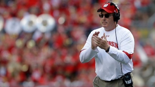 Wisconsin cancels football game vs. Nebraska after outbreak of COVID-19 cases