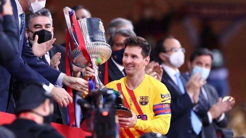 Messi shines as confident Barcelona click, Spurs fire Mourinho, Man City's quadruple quest ends