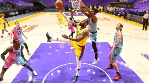 Los Angeles Lakers' LeBron James: Everyone's doing their part; 'time for me to adjust'