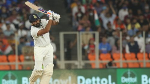 India prove they are cheats by batting on turning pitches for decades