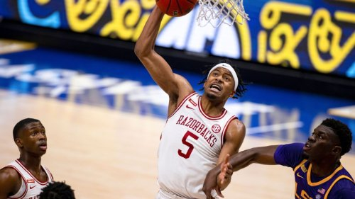 Arkansas guard Moody declares for NBA draft