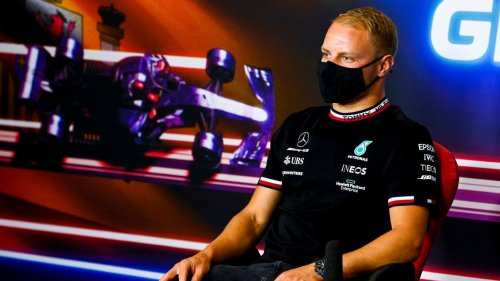 Bottas shoots down speculation about losing seat