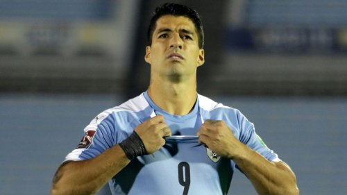 FIFA wants Uruguay to remove two of four 'World Cup' stars on shirt
