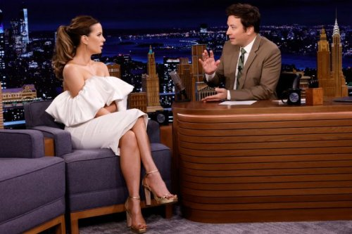 Kate Beckinsale Brings Her Love Of Fake Beards To 'The Tonight Show'