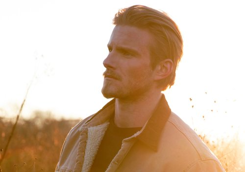 'Vikings' Star Alexander Ludwig Signed By Record Label, Set To Release Self-Titled Debut EP