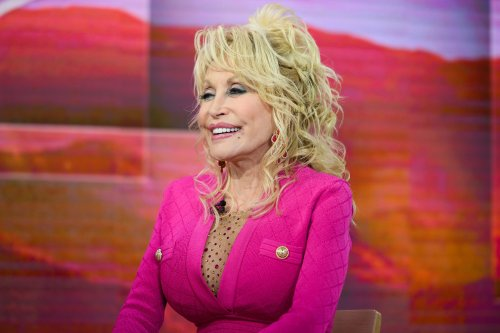 Dolly Parton Launches Fragrance Along With Perfume Theme Song