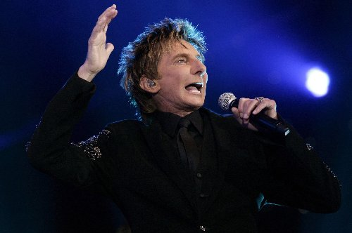 Barry Manilow Reacts To Viral TikTok Video Of 'Mandy' As She Joins The Platform