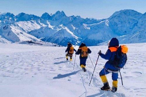 Эксперт: удостоверение гида на восхождение на Эльбрус должны выдавать только альплагеря