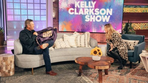 Watch Blake Shelton Get Caught Mid-Lie by Kelly Clarkson
