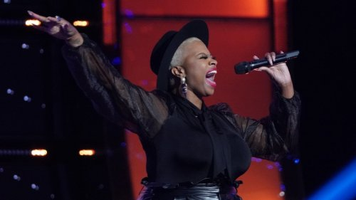 'The Voice': Dana Monique's 'Free Your Mind' Stuns the Coaches