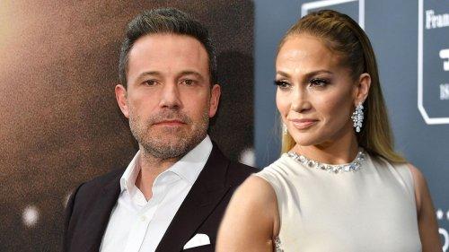 Jennifer Lopez and Ben Affleck Kiss During Romantic Dinner Date