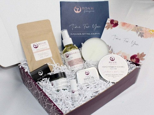 Luxurious self-care gift box