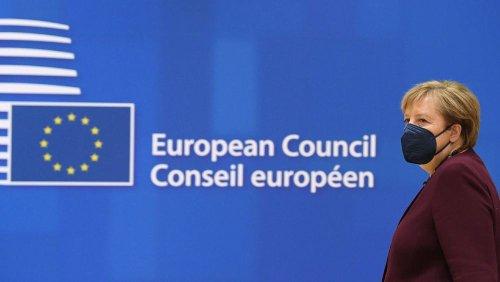 Sommet européen : pluie d'hommages pour Angela Merkel