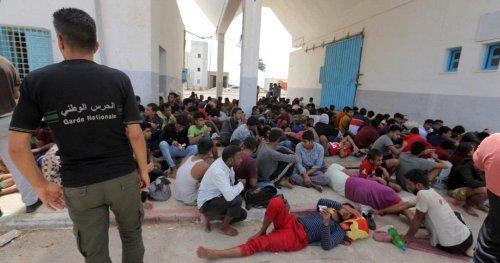 Au moins 267 migrants secourus au large de la Tunisie | Africanews
