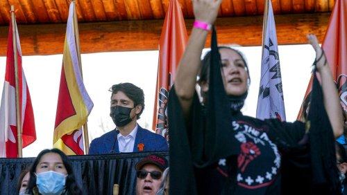 Drame des enfants autochtones au Canada : la visite tardive de Justin Trudeau à Kamloops