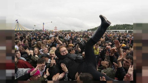Thousands flock to Download Festival in UK amid fears over COVID-19 third wave