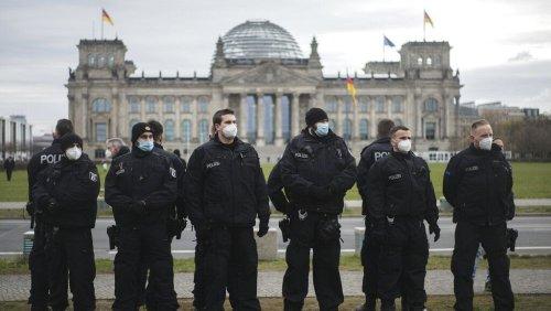 Querdenker wollen trotz Verbot in Berlin demonstrieren - 5 Tweets