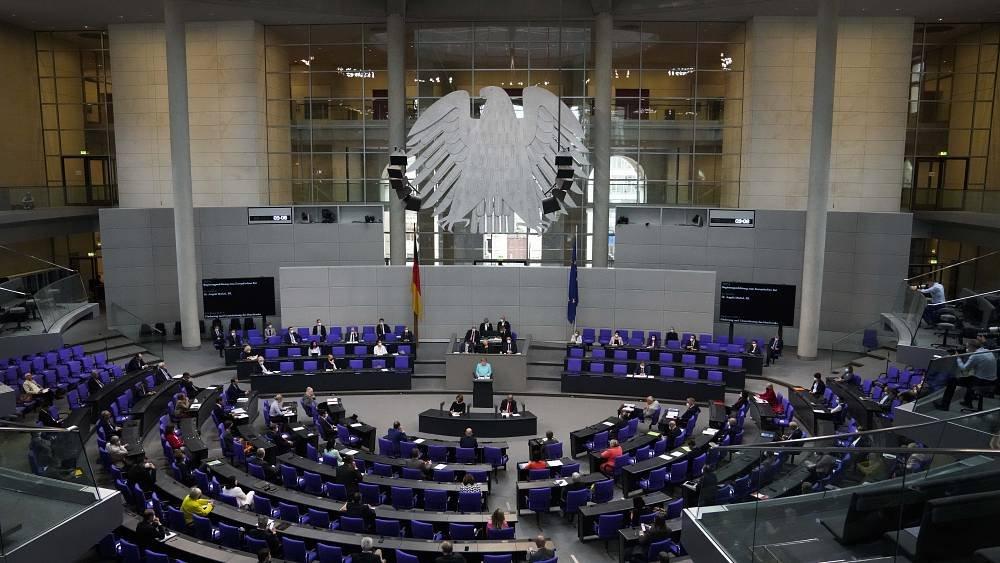ألمانيا تحظرُ أعلام حركة حماس وحزب العمال الكردستاني
