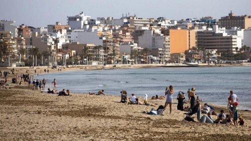 Covid-19 auf Mallorca: Hohe Inzidenz, niedrige Flugpreise