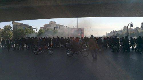 تحریم مقامهای امنیتی مسئول سرکوب اعتراضات آبان؛ ایران گفتوگوهای جامع با اروپا را تعلیق میکند