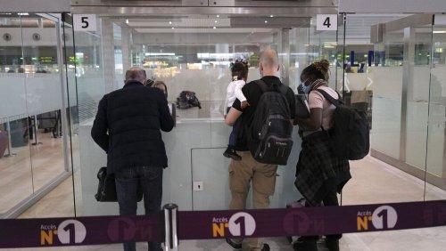 Francia suspende sus vuelos con Brasil