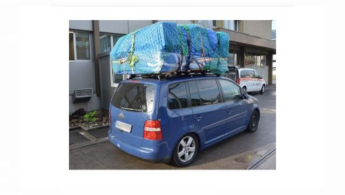 Selbst die Polizei war überrascht: 532 kg zu viel auf dem Autodach