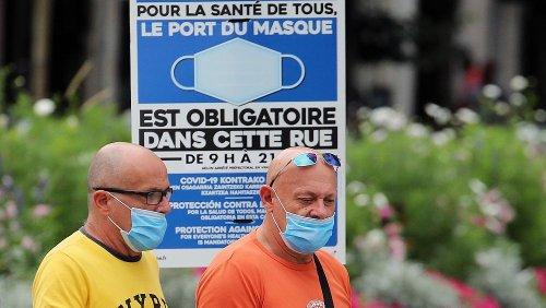 Covid-19 : fin de l'insouciance estivale en France