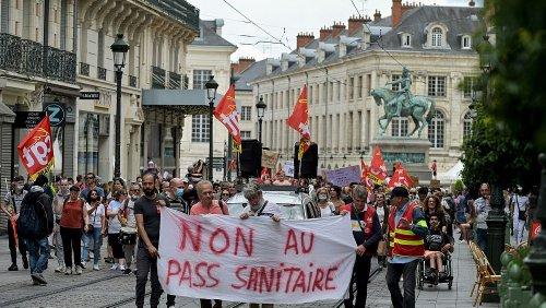 Mehr als 160.000 protestieren gegen Corona-Regeln in Frankreich