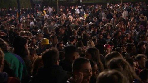 Le notti rissose di Bruxelles: aprono le terrazze, la gente si assembra