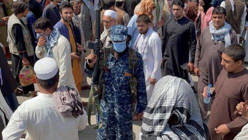 Regional powers at summit demand U.S. fund Afghan aid