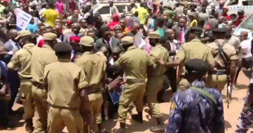 Uganda govt acknowledges the arrest of over 1,000 people | Africanews