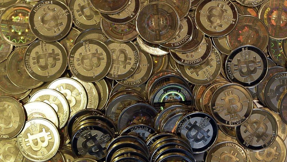 بتكوين-تيسلا: تراجع بنحو 366 مليار دولار في سوق العملات المشفرة بعد تغريدة ماسك