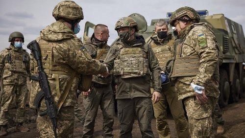 Troupes russes près de l'Ukraine : Moscou ne dément pas, Kiev s'inquiète
