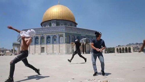 "ANP: ""Da Israele vaccini vicini alla scadenza"". Ancora scontri a Gerusalemme"