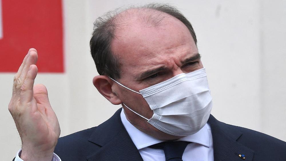 """رئيس وزراء فرنسا يؤكد أن بلاده """"تخرج"""" من أزمة وباء كورونا"""