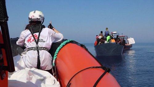 Mais de 400 migrantes resgatados no Mediterrâneo