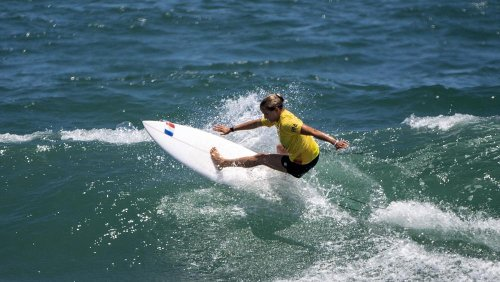 The world's best surfing destinations for beginners