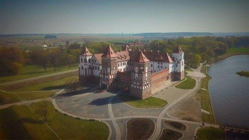 Il castello di Mir: dove s'incontrano gotico e rinascimento