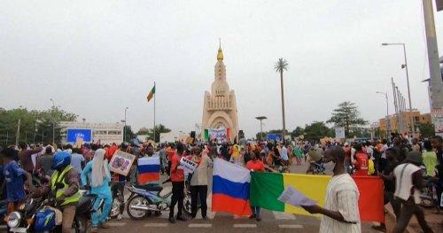 Mali : manifestation en soutien à un potentiel accord avec la Russie | Africanews