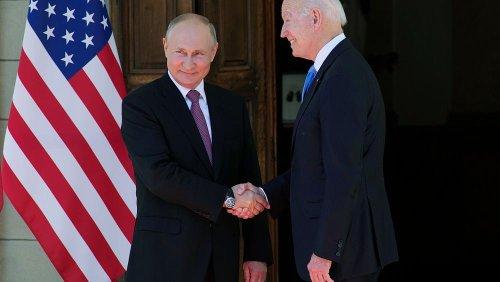O aperto de mão entre Biden e Putin em Genebra