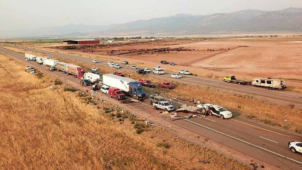 فيديو | مقتل 8 أشخاص على الأقل في حادث سير مرعب في يوتا الأميركية