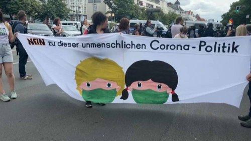 Demonstrant gegen die Corona-Politik kollabiert bei Demo und verstirbt im Krankenhaus
